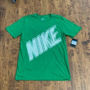 Nike Men's Athletic Cut Tee Size M